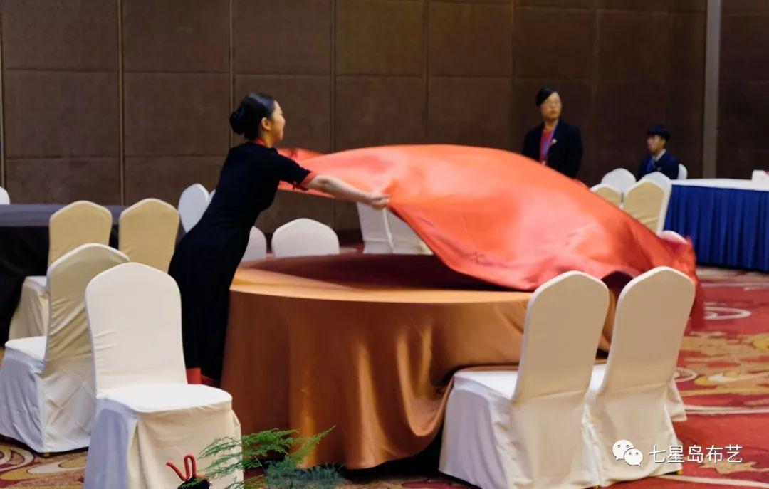中餐摆台布草设计